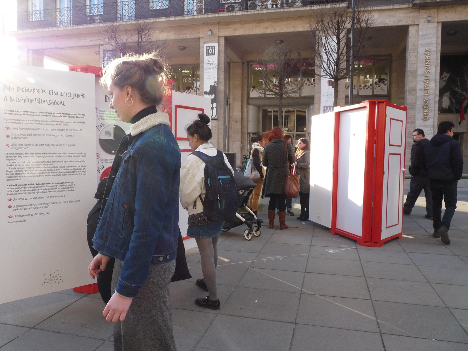 Interactive open air exhibition of doors